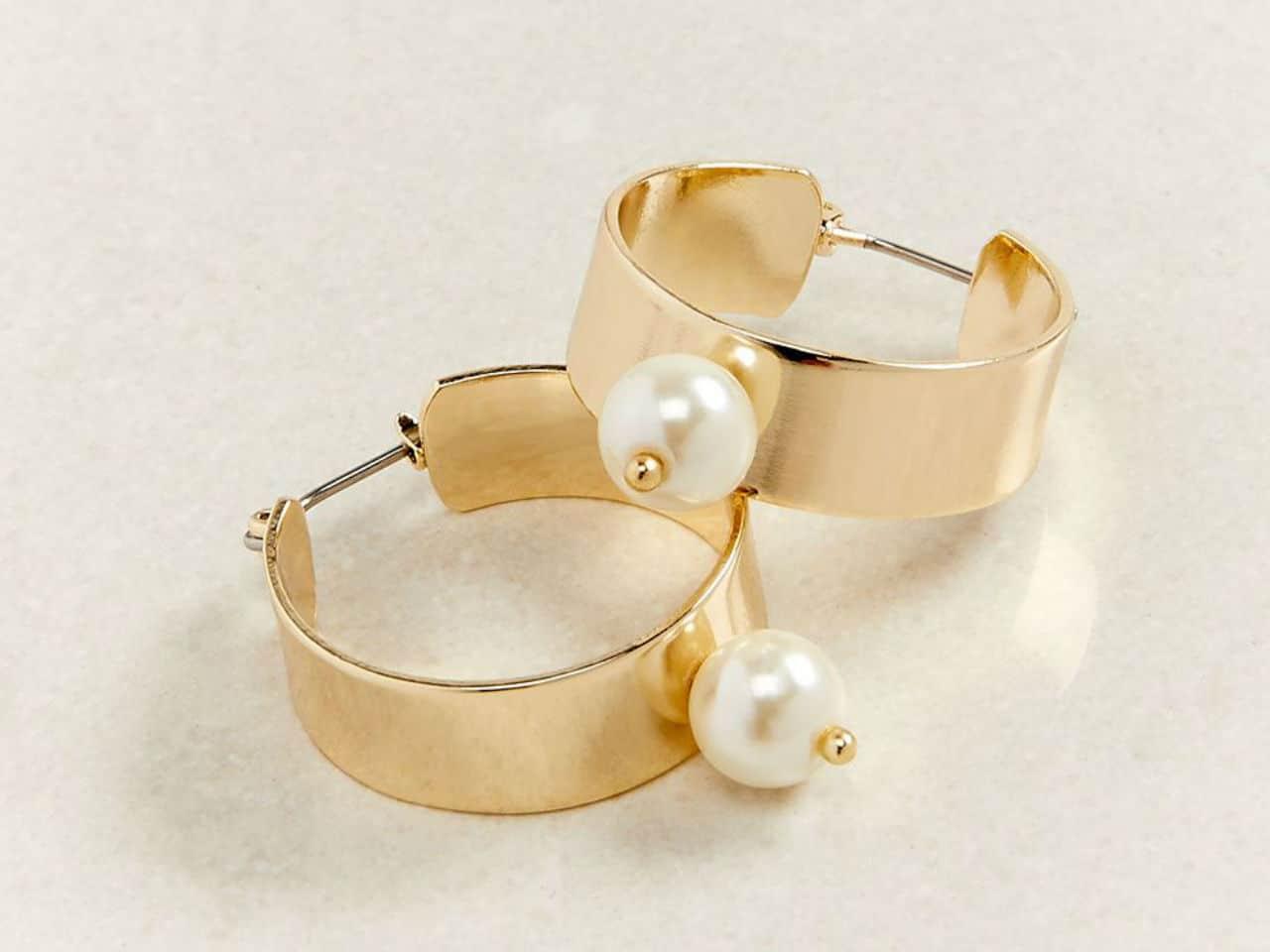 Wide Hoop earrings With Pearl Drop