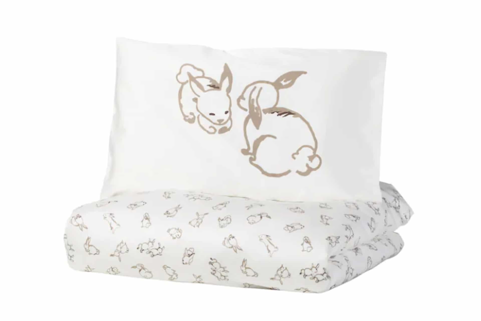 duvet set with rabbits