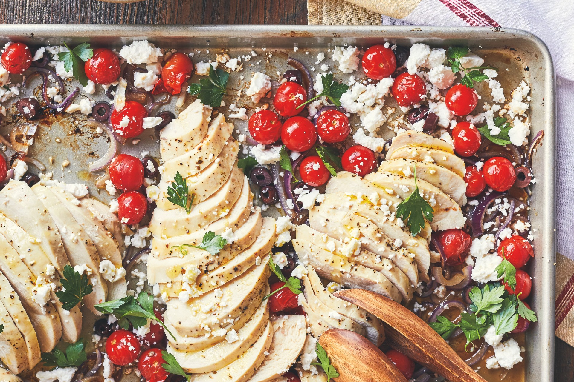 sheet pan with chicken, tomatoes and olives